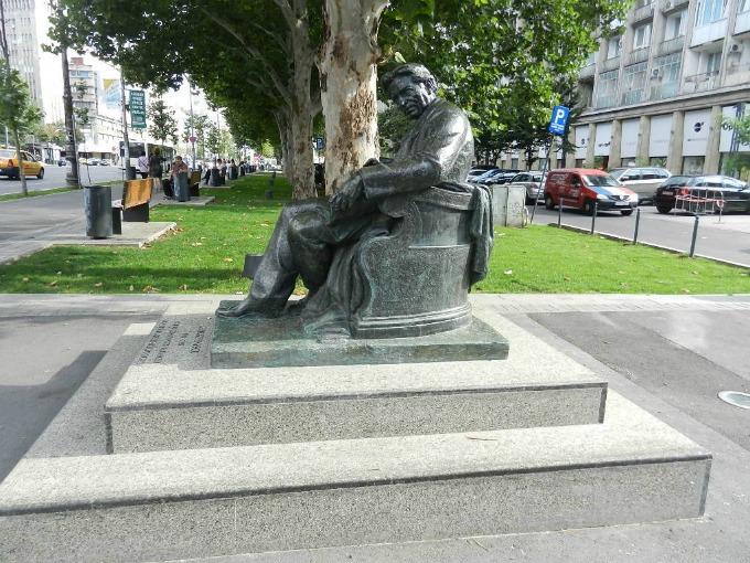 Statuie-Enescu