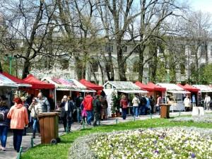 Târgul de Paște s-a deschis astăzi în Piața Constituției